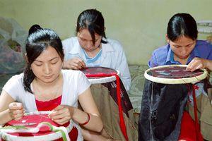 Tiếp sức cho phụ nữ làng nghề khởi nghiệp