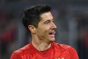 Lewandowski rực sáng, Bayern nhấn chìm Dortmund