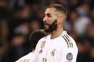 Benzema vượt huyền thoại Puskas để tạo cột mốc ghi bàn mới ở Real