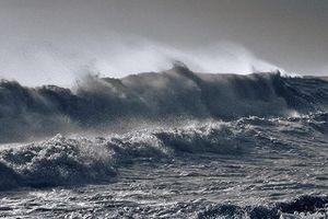 Ảnh hưởng bão số 6, Lý Sơn (Quảng Ngãi) đã có gió giật cấp 9