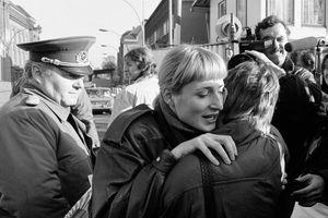 Khoảnh khắc đoàn tụ của nước Đức khi bức tường Berlin sụp đổ 3 thập kỷ trước