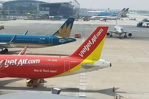 Nhiều sân bay 'đóng cửa', ngừng khai thác hàng chục chuyến bay