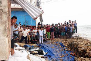 Bình Định: Trên 3.700 cán bộ, chiến sĩ giúp dân chống bão