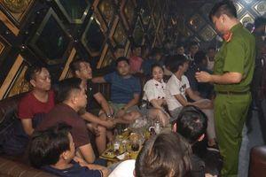 Đột kích quán bar, tóm 35 đối tượng đang phê ma túy