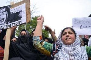 Ấn Độ thất bại với các biện pháp kiềm chế tội phạm tấn công phụ nữ?