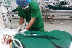 Vụ nổ đầu đạn pháo 9 người bị thương: Bé gái 22 tháng tuổi đang nguy kịch