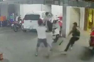 Vụ Quân 'xa lộ' bị chém chết: Xuất hiện video 'anh em xã hội' đòi trả thù, luật sư nói gì?