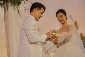 Nhìn lại những khoảnh khắc hạnh phúc nhất của cô dâu Đông Nhi