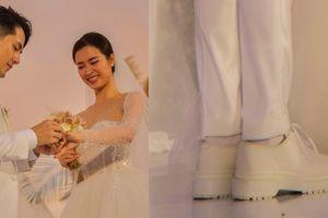 Ông Cao Thắng đi giày độn cao trong lễ cưới với Đông Nhi