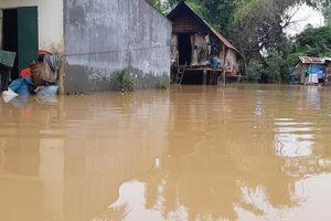 Đắk Lắk: Hàng trăm nhà dân chìm trong nước lũ