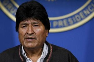 Tổng thống Bolivia cùng cấp phó từ chức sau 3 tuần tái đắc cử