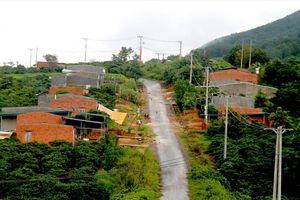 Dự án tái định cư 149 tỷ đồng, nhiều hộ dân sợ không đến ở