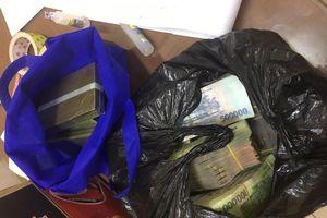 Bắt quả tang giáo viên tiểu học vận chuyển, mua bán ma túy trên đường cao tốc