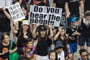 Trung Quốc đề nghị Anh, Mỹ ngừng can thiệp vào Hồng Kông