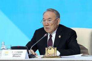 Cựu Tổng thống Kazakhstan đề nghị tổ chức cuộc gặp Nga - Ukraine để giải quyết xung đột