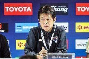 HLV Nishino lo lắng 2 chuyến làm khách sắp tới của Thái Lan