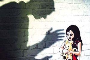 Diễn biến mới nhất vụ bé gái 3 tuổi nghi bị ông già hàng xóm xâm hại tình dục tại Nhà Bè