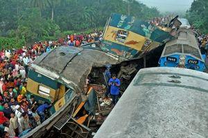 Tàu hỏa đâm nhau tại Bangladesh, ít nhất 16 người chết
