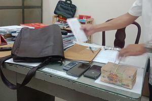 Đột nhập nhà sếp cũ, khống chế giúp việc để cướp tài sản