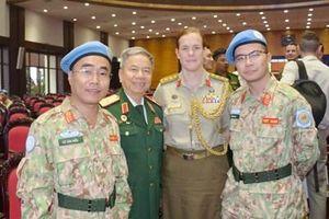 Tự hào những chiến sĩ quân y mũ nồi xanh Việt Nam