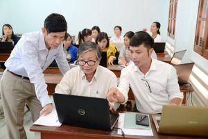 Tập huấn chuẩn bị thực hiện Chương trình GDPT mới cho 153 giáo viên cốt cán Khánh Hòa