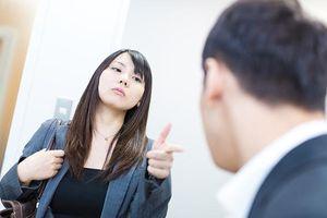 Khi sếp thiên vị người khác, nhân viên khôn ngoan đừng bao giờ đối đầu mà làm ngay việc này