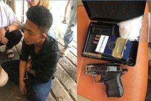 TP.HCM: Điều tra nguồn gốc khẩu súng của 2 thanh niên giữ trong khách sạn
