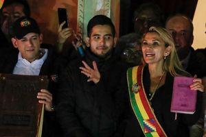 Nghị sĩ phe đối lập Bolivia tự phong 'Tổng thống tạm quyền', Mỹ vội vàng ủng hộ