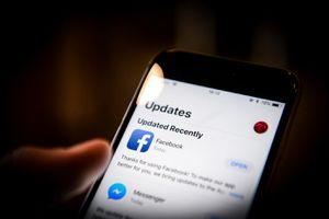 Ứng dụng Facebook bí mật kích hoạt camera iPhone theo dõi người dùng