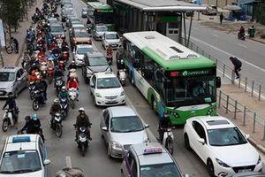 Gần 350 lượt phương tiện đi vào làn BRT đã bị phạt 1 triệu đồng, tước bằng lái xe 2 tháng