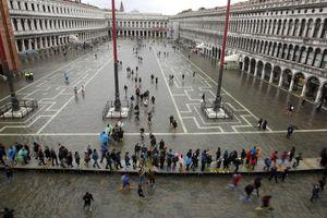 Venice trải qua trận lụt tồi tệ nhất trong 50 năm