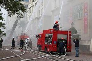 Việt Nam mới chỉ chữa cháy được đến tầng 20!