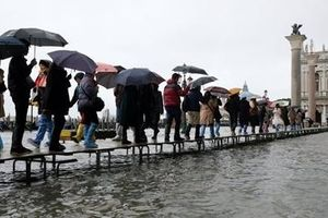 Venice 'thất thủ' vì trận lụt tồi tệ nhất trong nửa thế kỷ