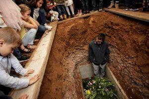 Vụ thảm sát 9 người Mexico: Quá sợ hãi, người dân bỏ nhà đi lánh nạn