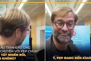 Biếm họa 24h: Jurgen Klopp 'chạy mất dép' khi thấy Pep Guardiola