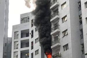 Xảy cháy chung cư ở phố Mai Anh Tuấn
