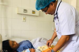 Cứu sống sản phụ nguy kịch do sốt xuất huyết kể cả con