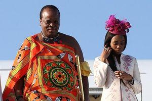 Chân dung nhà vua bạo tay 'đốt' hàng triệu USD mua 19 xe sang Rolls Royce cho vợ