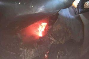 Cháy ô tô trong hầm chung cư ở Nghệ An, dân tháo chạy lúc rạng sáng