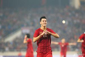 Tiến Linh lập siêu phẩm, Việt Nam đánh bại UAE, vươn lên giành ngôi đầu bảng G