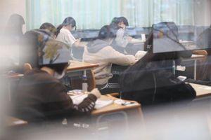 Hơn nửa triệu thí sinh tham gia kỳ thi khắc nghiệt nhất Hàn Quốc