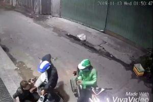 Truy xét các đối tượng dùng dao, bình xịt hơi cay cướp xe máy