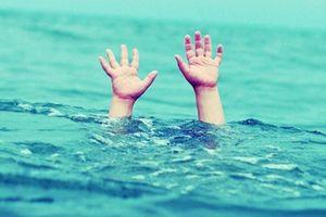 Bé 4 tuổi ở Cà Mau tử vong thương tâm dưới cống thoát nước