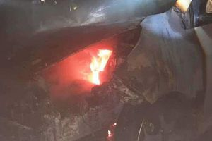 Nghệ An: Cháy ô tô ở tầng hầm chung cư, hàng trăm người tháo chạy
