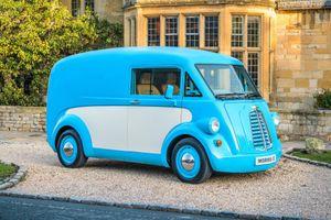 Hàng 'độc' xe tải chở hàng chạy điện phiên bản hoài cổ giá đắt nhất thế giới