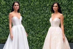 Mẫu váy cưới lộn ngược giúp cô dâu mặc được nhiều kiểu khác nhau