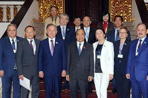 Thủ tướng Nguyễn Xuân Phúc tiếp; Chủ tịch QH Nguyễn Thị Kim Ngân đón, hội đàm với Chủ tịch Hạ viện Kazakhstan