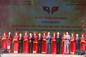 Khai mạc Ngày hội thắm tình hữu nghị đặc biệt Việt Nam-Lào