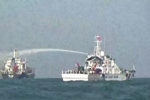 Cứu nạn tàu nước ngoài bị cháy trên biển