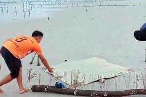 Phát hiện thi thể không còn đầu và tay chân trên biển